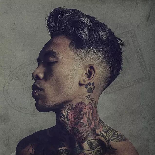 超级帅哥个性的纹身图