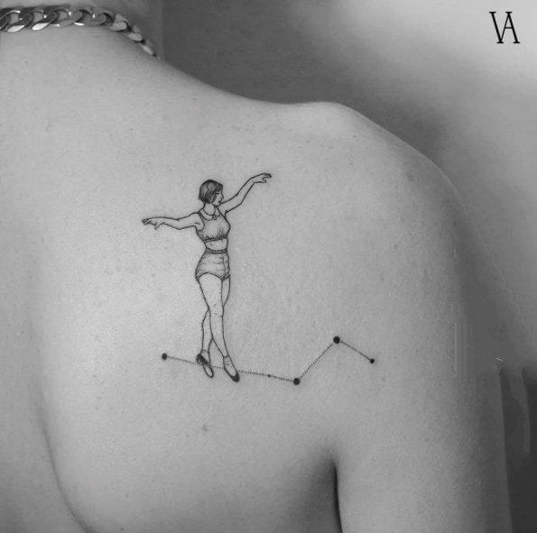 后背纹身图案   唯美靓丽的后背纹身图案