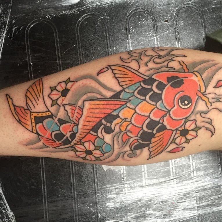 纹身鲤鱼   活泼而又灵动的锦鲤纹身图案