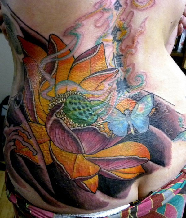 纹身莲花 轻摇曼舞的莲花纹身图案