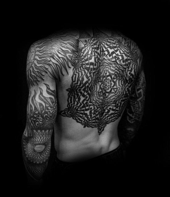 纹身背部    设计感十足的背部纹身图案
