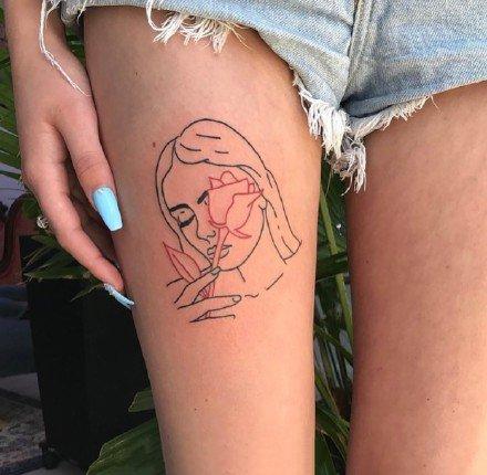 小清新纹身图案-看上去很孤单的线条纹身图片