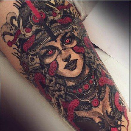 很个性的一组美杜莎等欧美女郎纹身作品图