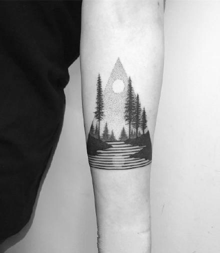 几何点刺风格的黑灰点刺纹身作品图片9张