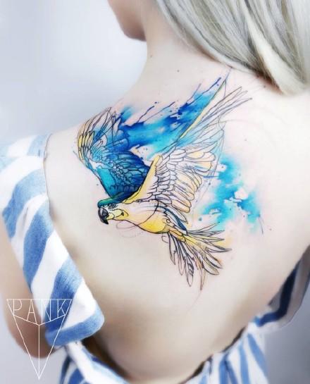 蓝色调的一组好看小水彩纹身作品图案9张