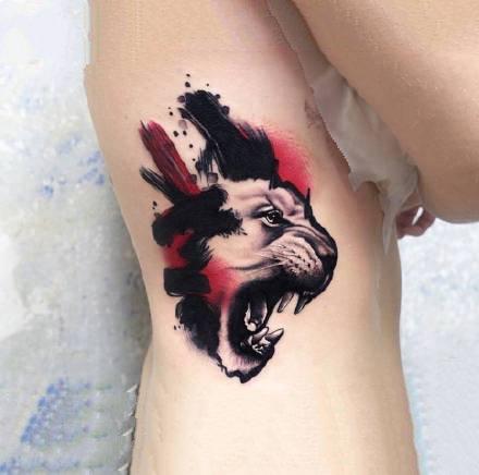水墨风格的个性彩色小纹身图案作品9张
