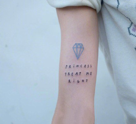 纹在胳膊上的超简约彩色小清新纹身图案