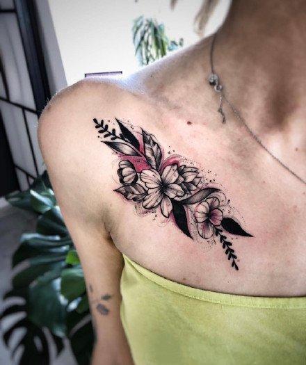 有点暗黑的红黑色调的一组纹身图案9张