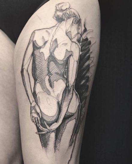 裸女郎+纹在身上的一组裸体女郎纹身图案