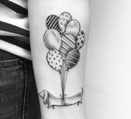 9张关于气球的小清新纹身作品赏析