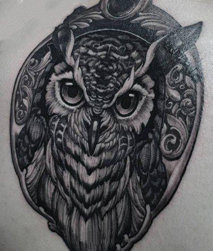 猫头鹰刺青:一组猫头鹰的手稿和纹身作品赏析