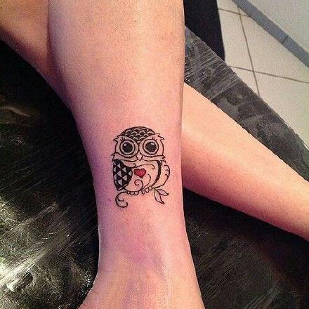 适合猫头鹰控的小简约猫头鹰纹身图片
