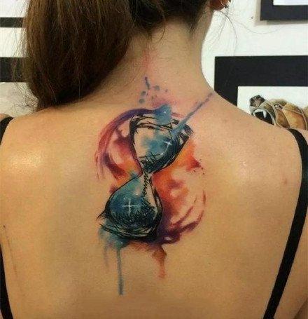沙漏纹身:珍惜时间的一组沙漏纹身作品