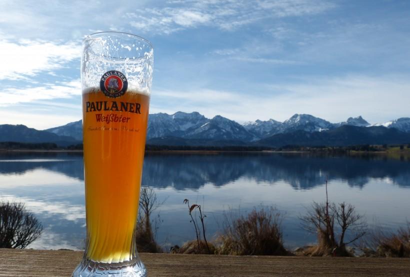 一杯满满的啤酒图片(12张)