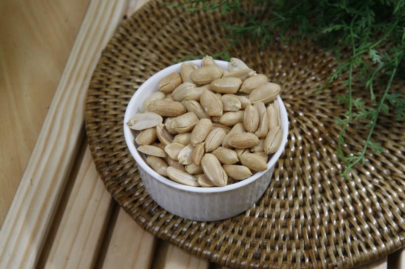 好吃的花生米图片(10张)