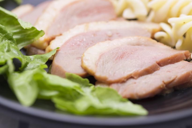 美味好吃的鸭胸肉蔬菜沙拉图片(10张)