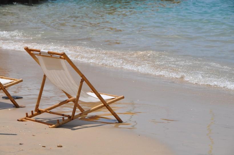 沙滩上的椅子图片(11张)