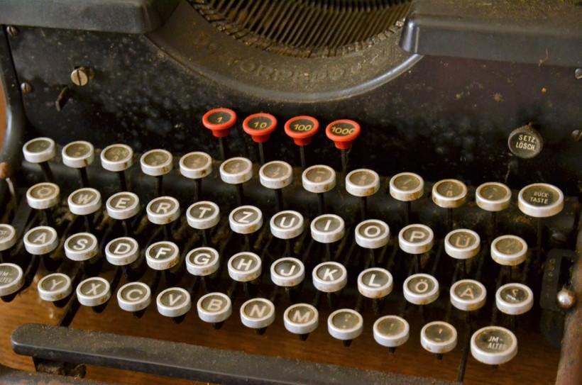 老式古董打字机图片(15张)