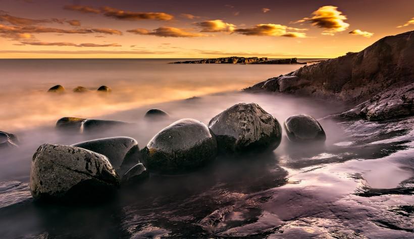 海边的黑色鹅卵石图片(12张)