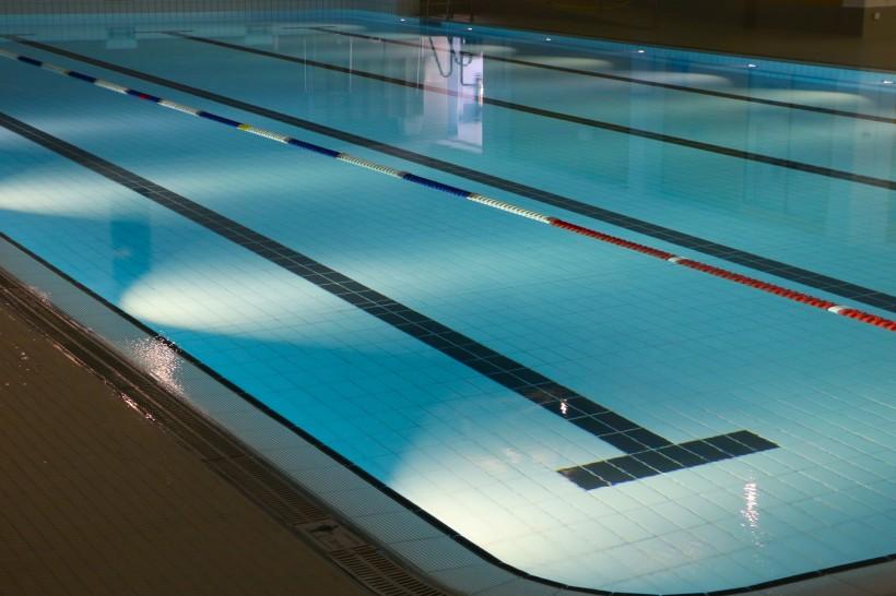 环境优美的游泳池图片(10张)