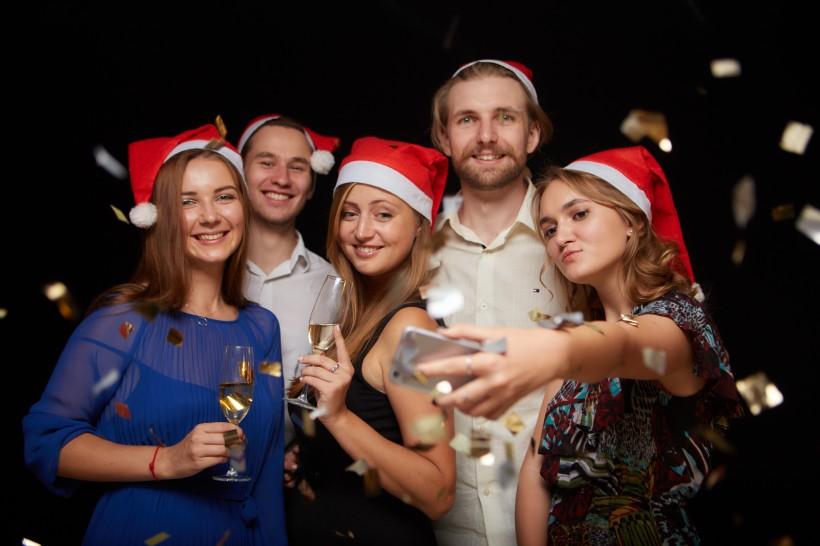 圣诞节家庭派对图片(10张)