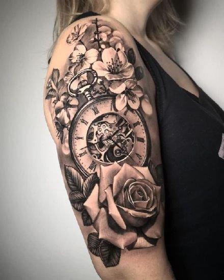 包大臂和小臂好看的9张钟表写实纹身图片