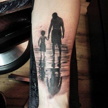 亲情纹身 有爱的一组父爱母爱家庭的亲情纹身图片