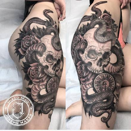 女性臀部大腿处的一组大面积个性纹身作品