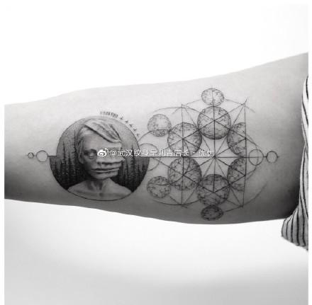 大臂内侧的18款纹身作品图片赏析