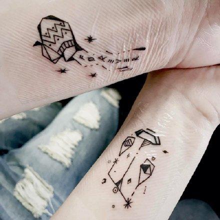 适合水瓶座的一组纹身作品图案