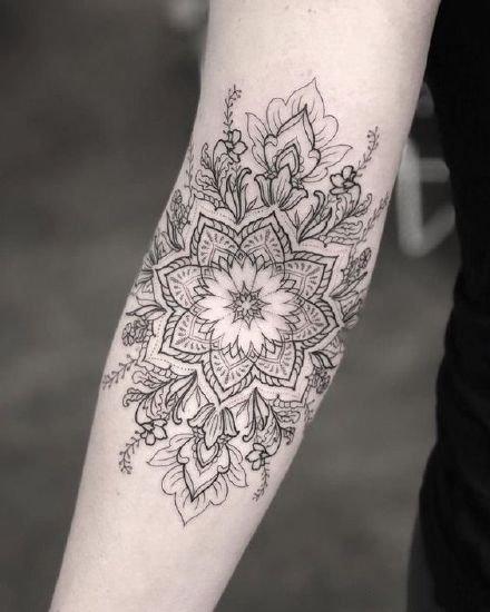 精致的一组梵花风格纹身作品图片
