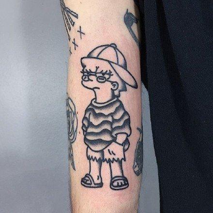 创意动漫卡通辛普森一家的纹身图片