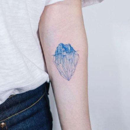 冰块冰山的9款冰主题纹身作品