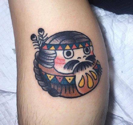 一组可爱的达摩蛋写实纹身图案