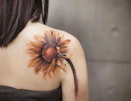 一组中国水墨风纹身图案
