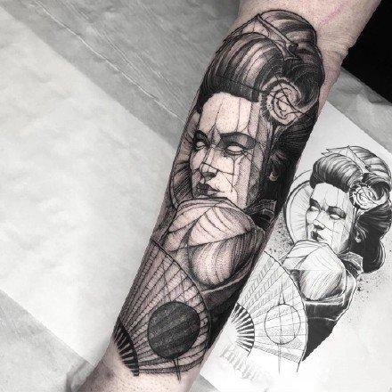 一组霸气的黑白男生纹身图案