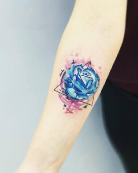 一组颜色艳丽的水彩纹身图案