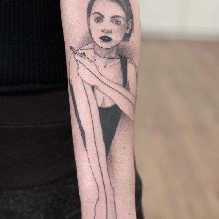 一组人物插画手臂纹身图案