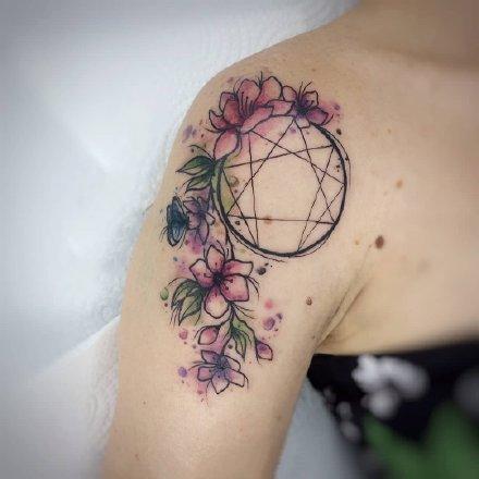 一组创意十足水彩手臂纹身图案