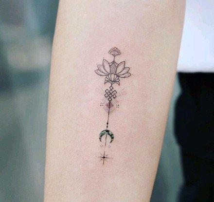 小清新纹身。女生小纹身