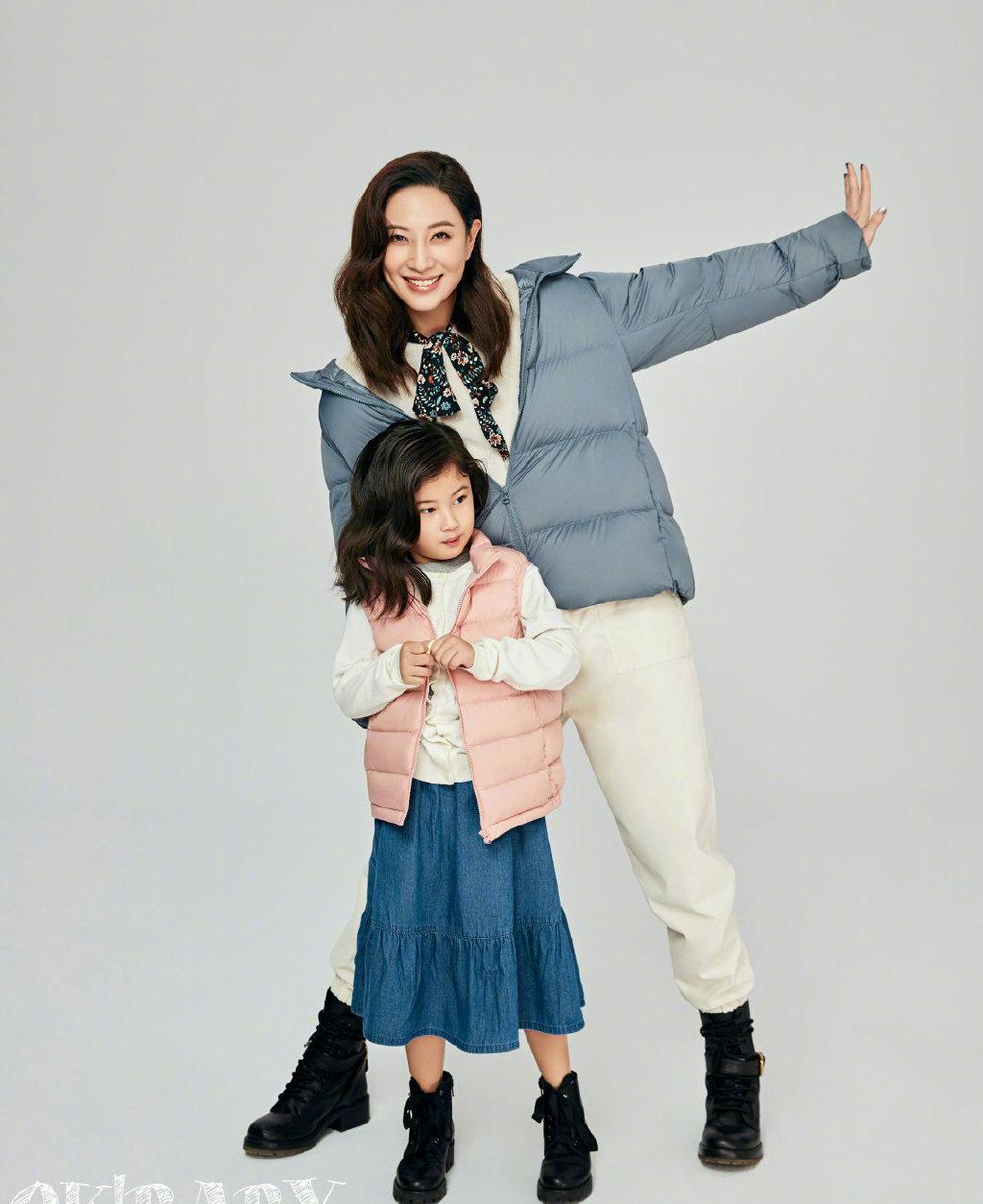 郑希怡母女合体杂志写真图片