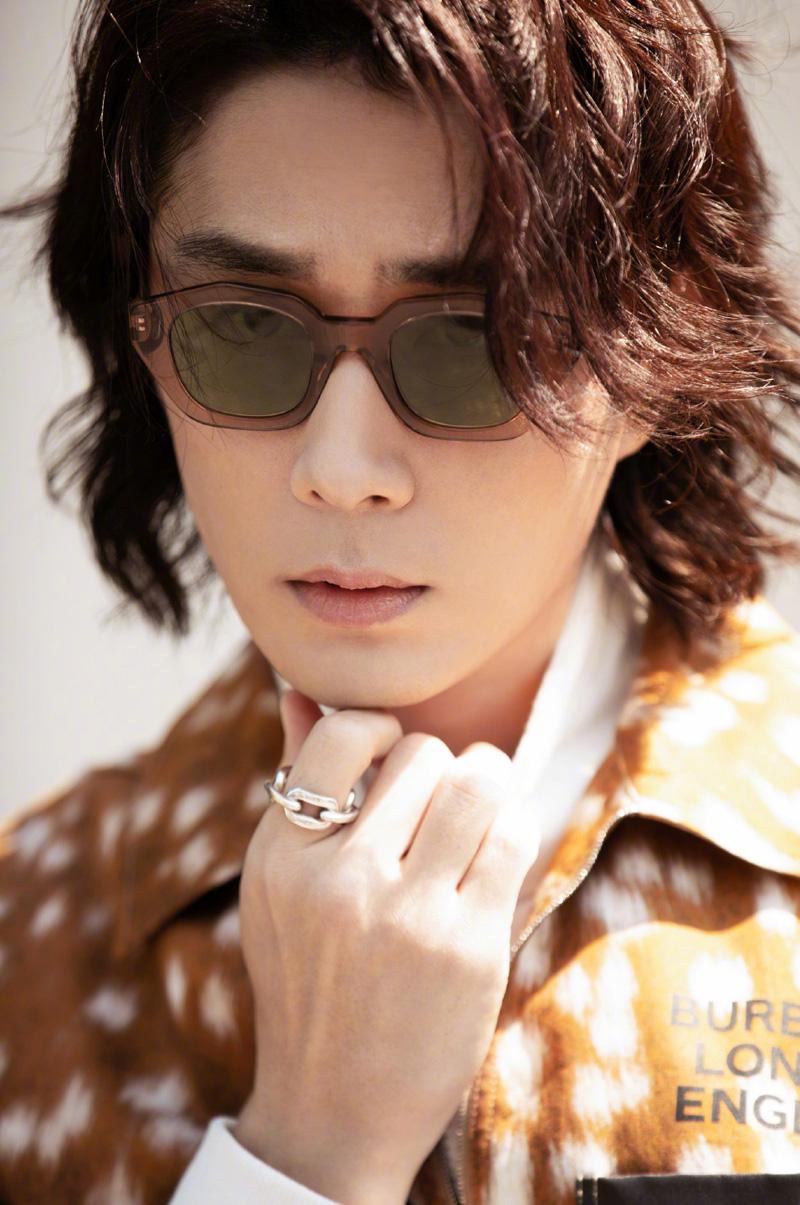 李承铉帅气有型时尚写真图片