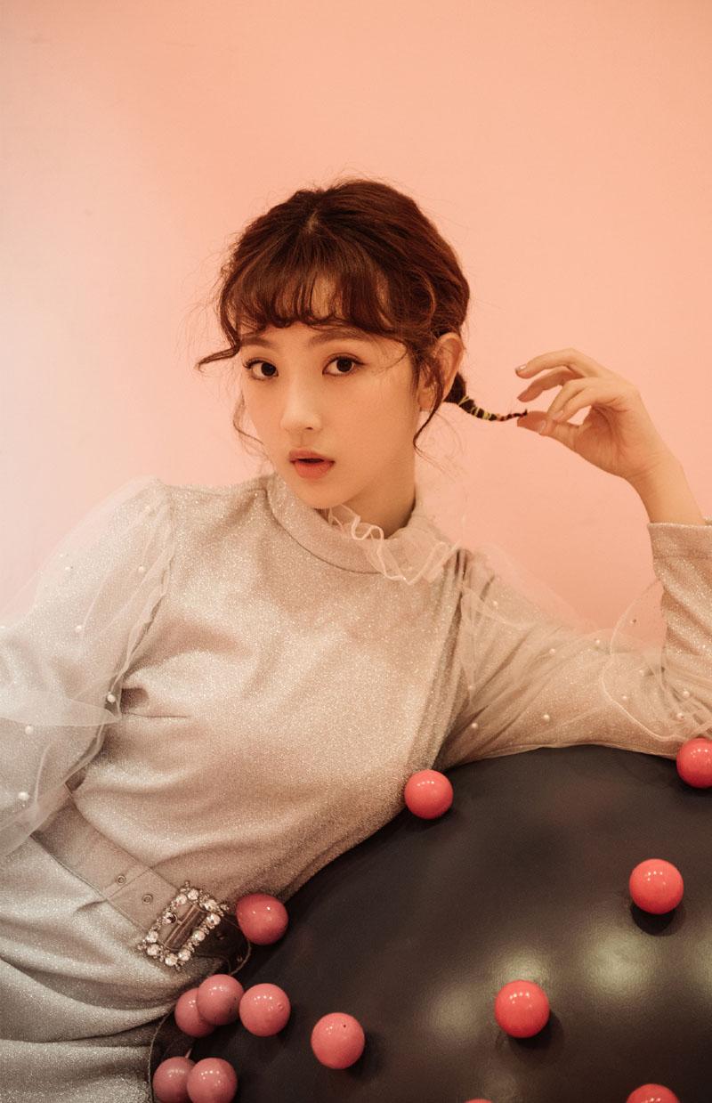孙艺宁个性俏皮时尚写真图片