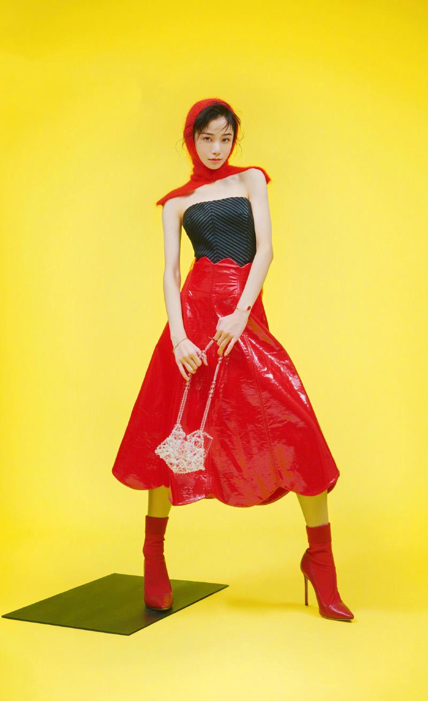 姜梓新时尚芭莎杂志写真大片