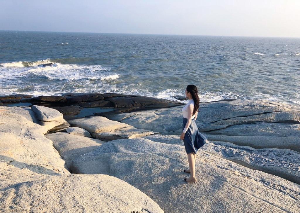 钟祺图片 钟祺海边旅拍唯美写真图片