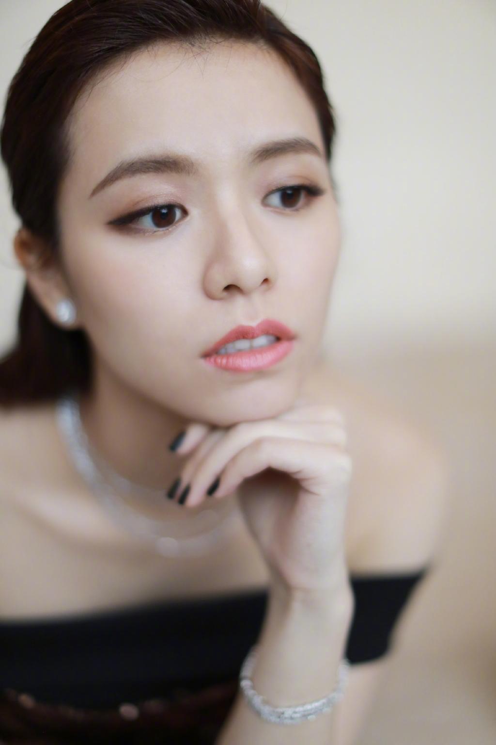 宋芸桦性感优雅写真图片
