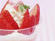 诱人草莓甜点清新水果蛋糕