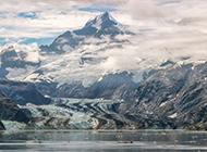 唯美精选云雾朦胧的山脉风景壁纸赏析