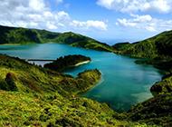 美不胜收的湖泊自然风光高清壁纸