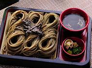 清爽解暑的日式荞麦拉面图片